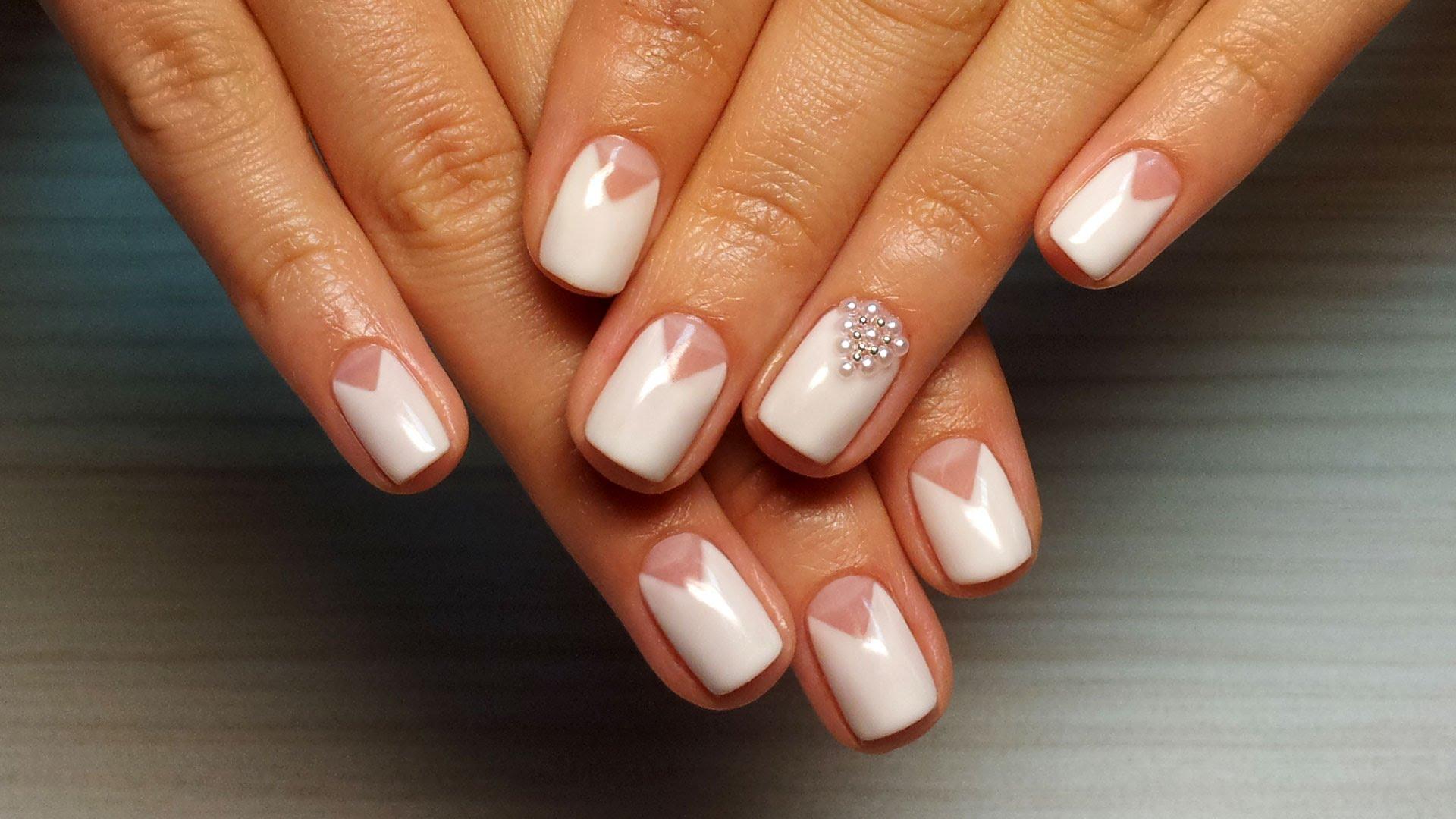 Дизайн Розовых Ногтей Со Стразами
